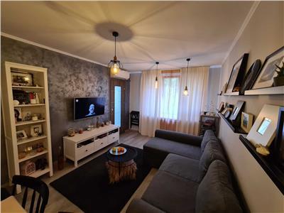 oferta vanzare apartament 3 camere, titan-pallady, etaj 2/10, decomandat, 60mp, amenajat lux Bucuresti