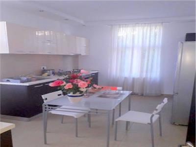 vanzare duplex 4 camere rond cosbuc- parcul carol Bucuresti