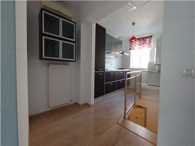 vanzare apartament 2 camere cu scara interioara armeneasca Bucuresti