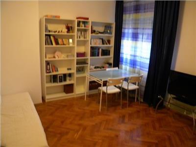 Vanzare apartament 3 camere in vila 1 Mai -Grivitei, Bucuresti