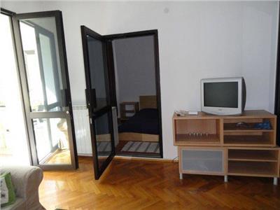 Inchiriere apartament 2 camere Universitate - Metrou
