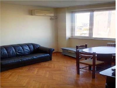 Apartament cu 3 camere de inchiriat Stefan cel Mare