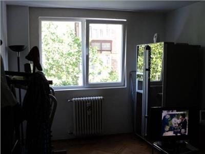 Apartament cu 2 camere de vanzare Stefan cel Mare