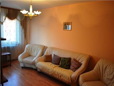 Apartament cu 3 camere de vanzare Stefan cel Mare