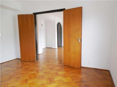 Inchiriere apartament 3 camere Primaverii in vila, Bucuresti